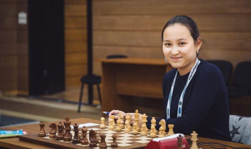 Жансая Әбдімәлік әлемнің үздік шахматшыларының үштігіне енді
