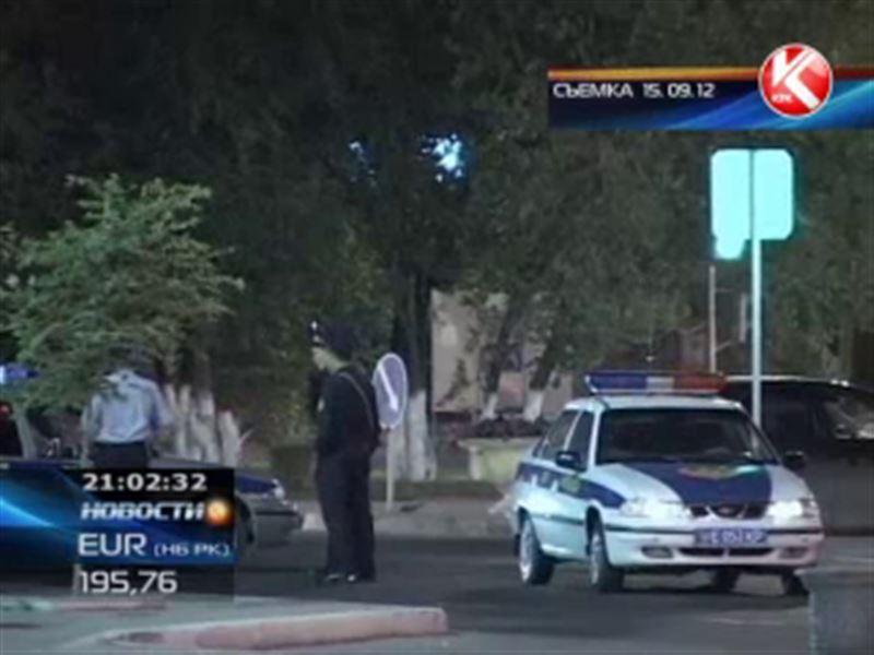 В Атырау из больницы выписали полицейского, которого обстреляли прямо на посту