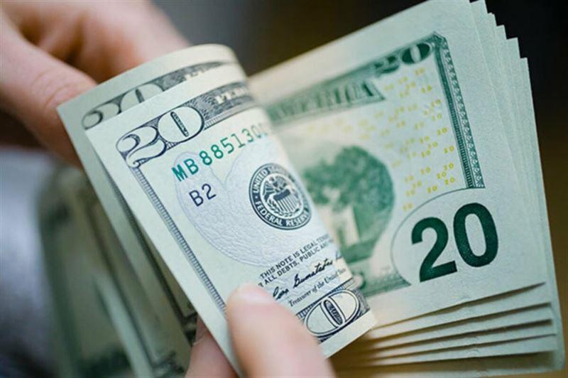 Курс доллара снова поднялся в Казахстане – до 475 тенге