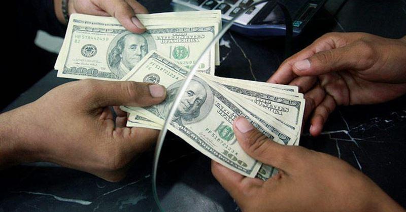 В Казахстане курс доллара в некоторых обменниках достиг 465 тенге