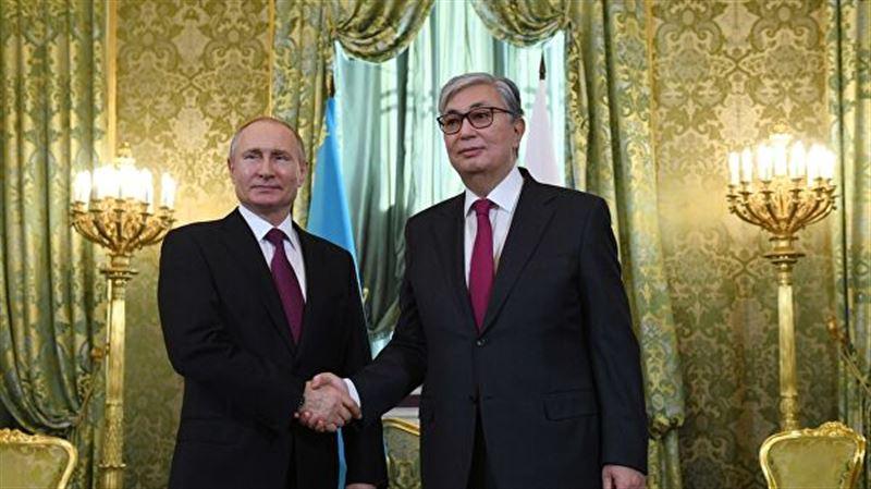Токаев попросил Путина оказать помощь в возвращении жителей Казахстана на родину