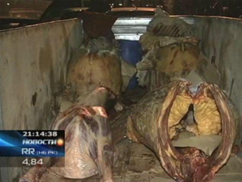 Минздрав пугает сибирской язвой и просит не покупать мясо на стихийных рынках