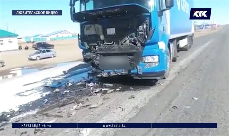 Выехав на встречную полосу, водитель ВАЗа погубил семью и двух знакомых