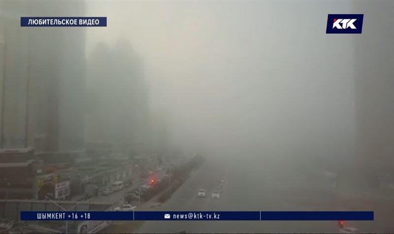 В Актау пыльные бури не позволяют находиться на улице дольше 15 минут