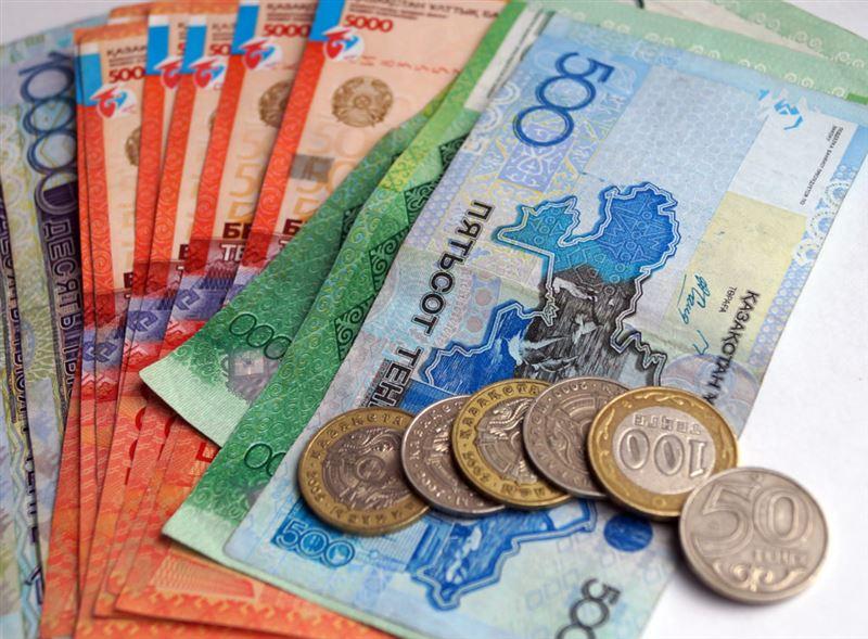 Нацбанк РК прокомментировал вероятность заражения коронавирусом через наличные деньги