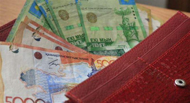 Сколько казахстанцев получат выплаты во время режима ЧП