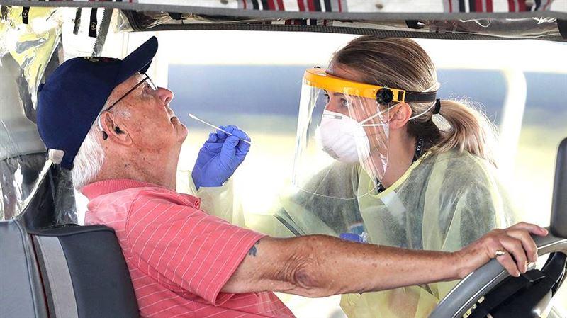 АҚШ коронавирус жұқтырғандар саны бойынша бірінші орынға шықты