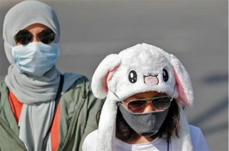 Казахстанцев, которые гуляют по улице, ждет штраф