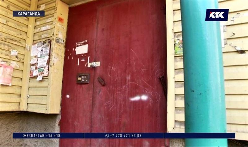 Соседей карагандинца с подозрением на коронавирус заперли на ключ