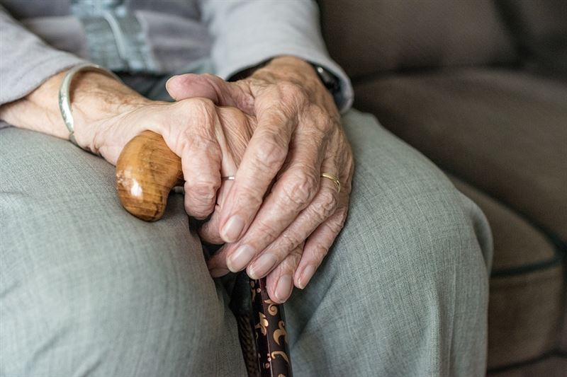 Почему карантин опасен для пожилых людей