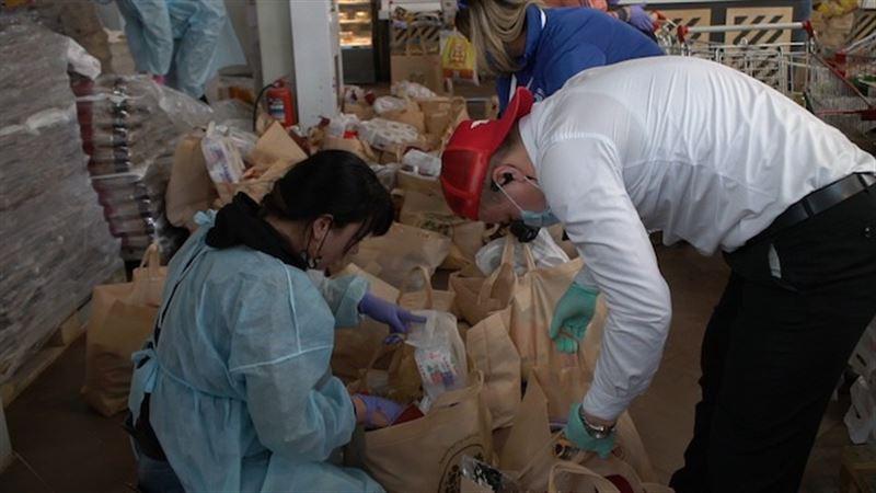 #Bizbirgemiz: столичные волонтеры оказали помощь 4 тысячам семей