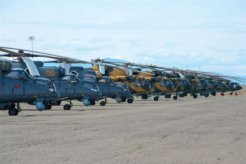 Военных летчиков страны перевели на усиленный режим службы