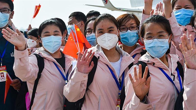 В Китае впервые с января никто не умер от коронавируса за сутки