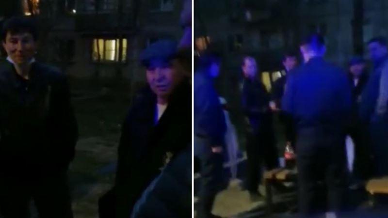 Алматыда бір топ мас адам полицияға шабуыл жасады