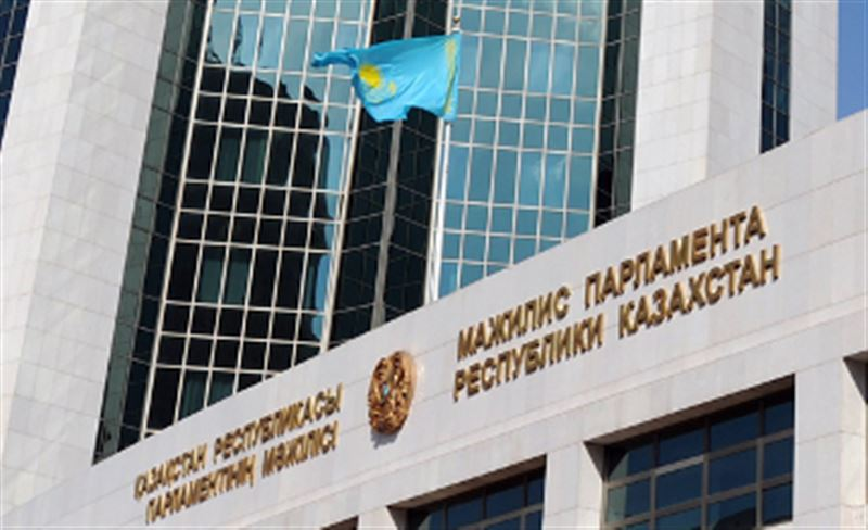 Казахстанцев больше не будут задерживать за одиночные пикеты