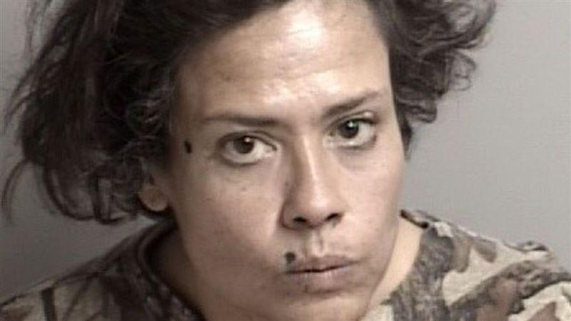 В США женщина облизывала товары в супермаркете, за что была арестована
