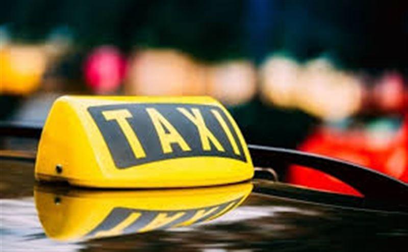 Қостанайда такси жүргізушісінің мойнына арқан салып, ақша талап еткен