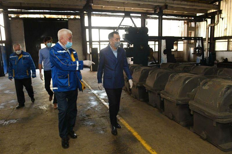 Сагинтаев проверил готовность стройплощадок и заводов к работе в условиях карантина