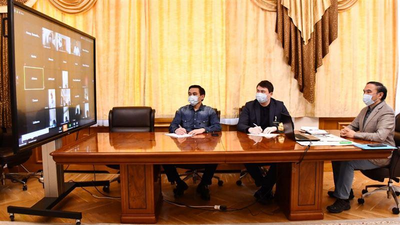 Заместитель акима Алматы провел видеовстречу с медицинским коллективом ЦГКБ