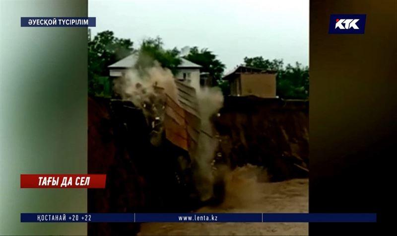 Күнгейден репортаж: Санаулы сағатта бірнеше ауылдың астан-кестеңі шықты