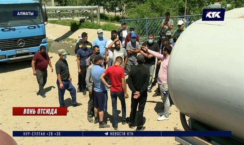 Частный сектор в Алматы может утонуть в нечистотах
