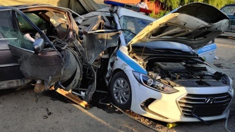 Наезд на блокпост в Алматы: скончался второй полицейский
