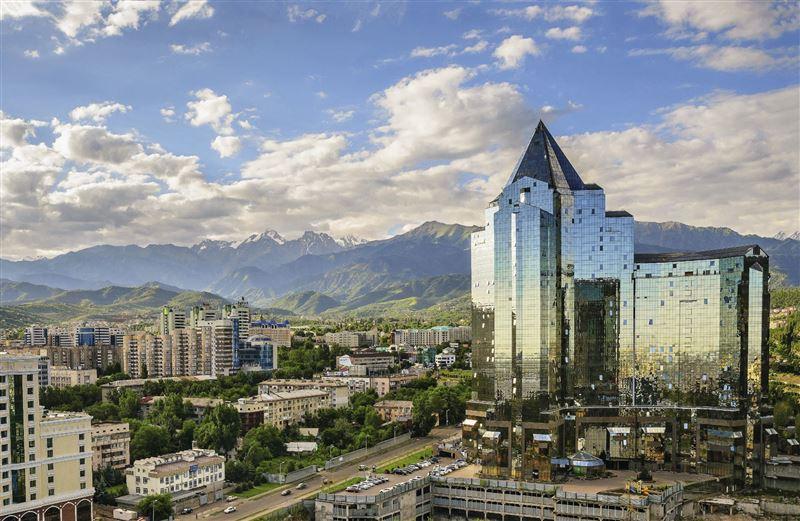 В Алматы вновь заработали кафе, ТРЦ, ЦОНы и гостиницы