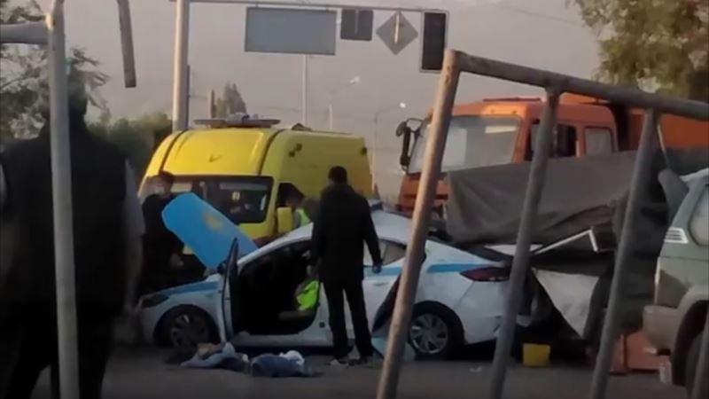 Алматыда полицейлер қаза болған жол апатының фотосы жарияланды