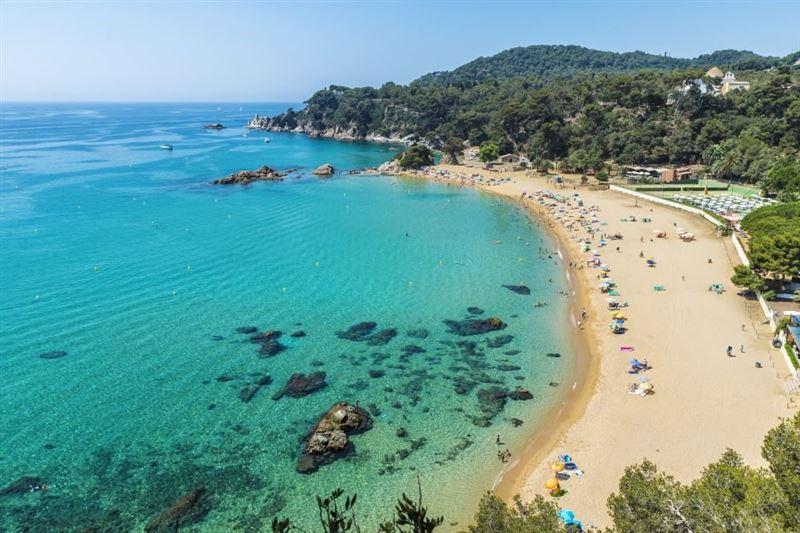 В Испании решили через датчики контролировать количество людей на пляжах