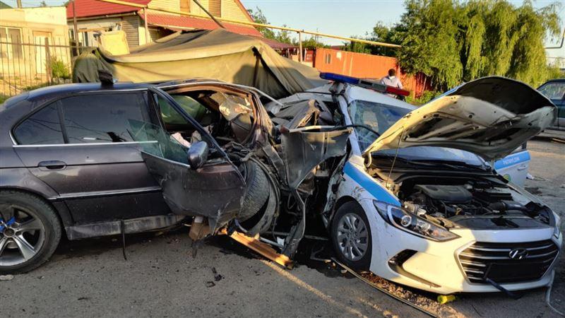 ДТП на блокпосте в Алматы: третий сотрудник полиции в реанимации