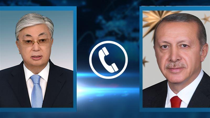 Токаев пригласил главу Турции в Казахстан