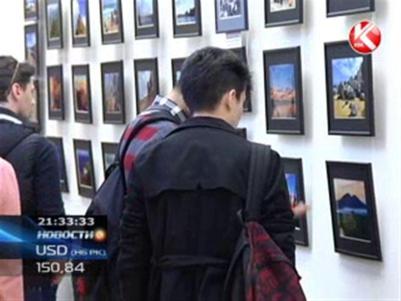 В Алматы открылась выставка фотохудожника Сергея Варыгина