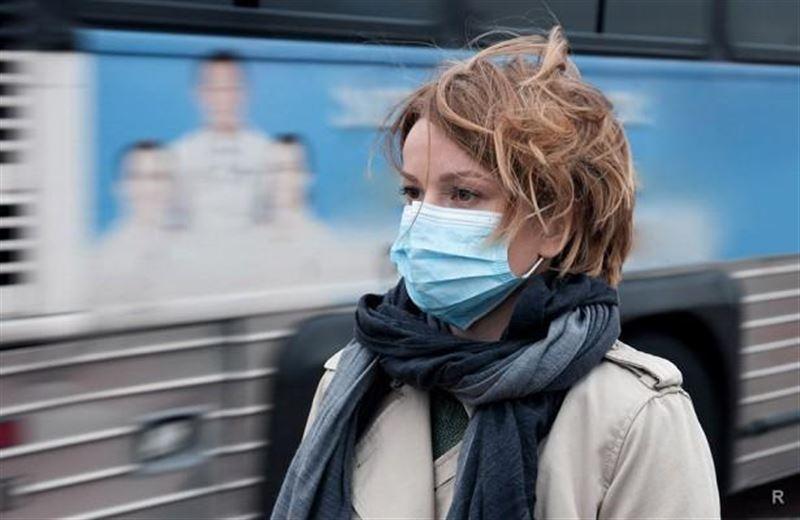 Почему казахстанцам рекомендуют ходить в масках на улице