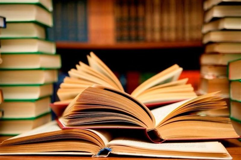 Президент поручил ввести законодательную ответственность для разработчиков учебников