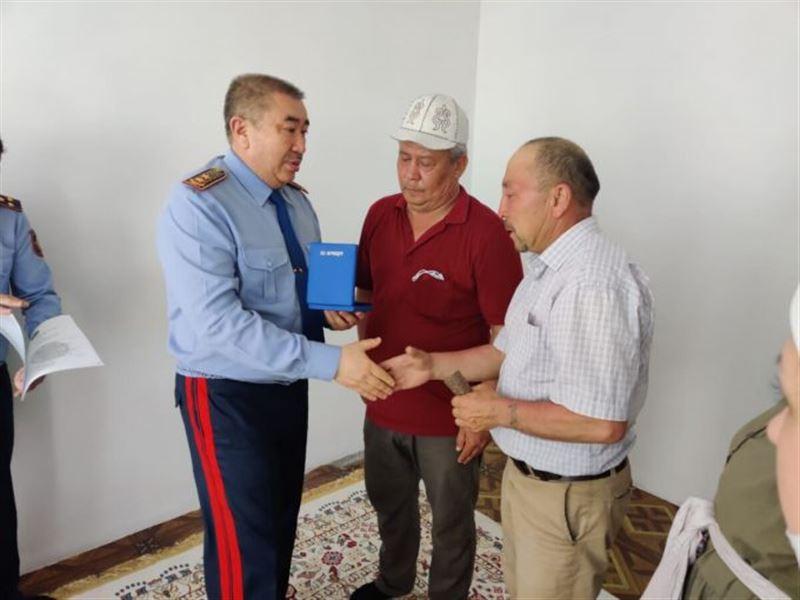 Глава МВД вручил госнаграды родственникам погибших полицейских