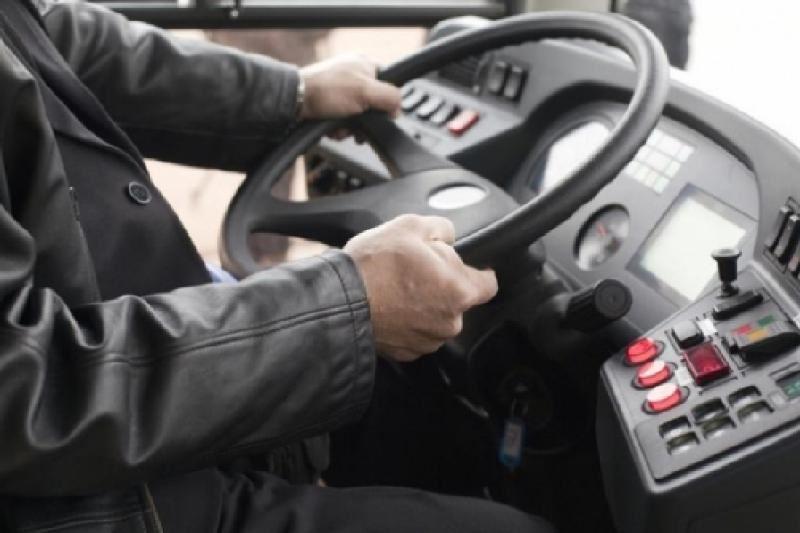 Пьяный мужчина перевозил пассажиров автобуса в Петропавловске
