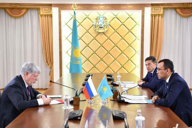 Председатель Сената встретился с послом России
