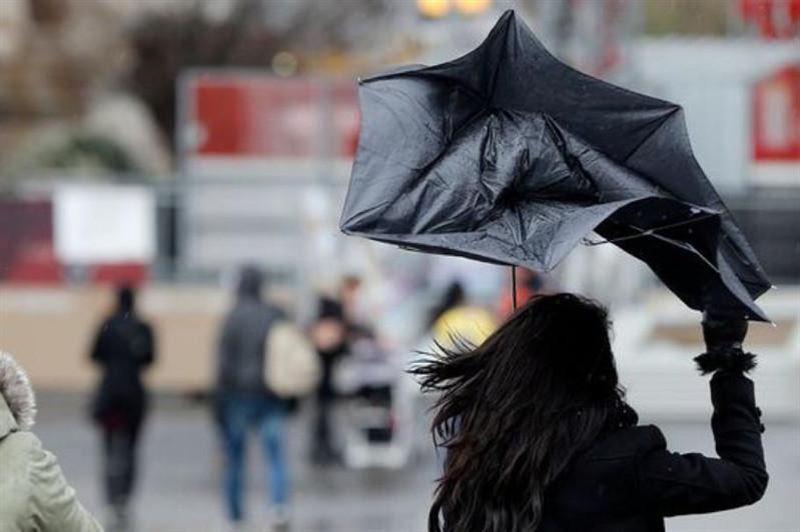 В Нур-Султане и пяти областях Казахстана объявили штормовое предупреждение