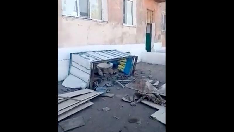 Қарағанды облысында балкон үстінде тұрған ерлі-зайыптымен бірге опырылып түсті