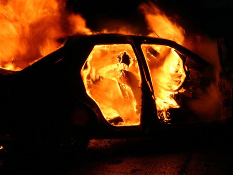 Житель ЗКО сжег свой автомобиль после того, как сбил насмерть мужчину