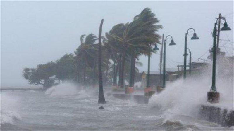 США предрекли новую вспышку COVID-19 на фоне стихийных бедствий