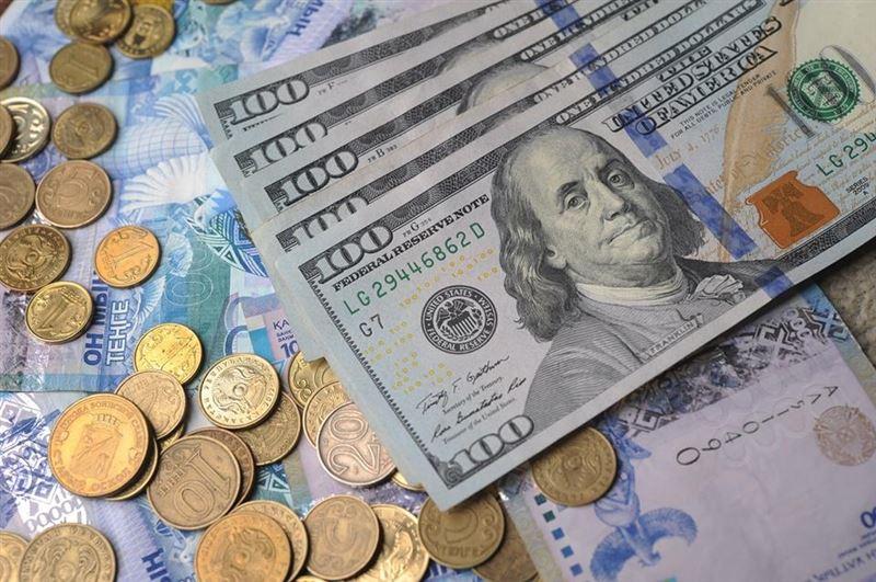 Доллар бағамы 400 теңгеден төмендеді