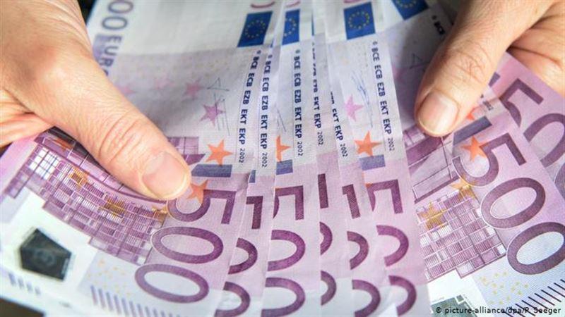 Россиянин сбывал фальшивые евро на территории Казахстана