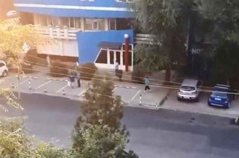 В Алматы произошла драка с поножовщиной и стрельбой