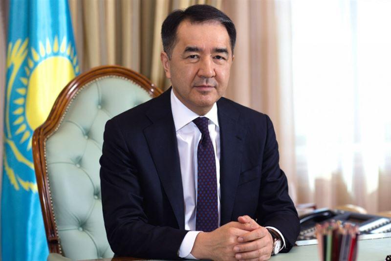 Бакытжан Сагинтаев поздравил алматинцев с Днем госсимволов