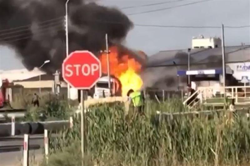 Мощный взрыв произошел на автогазозаправочной станции в Атырау
