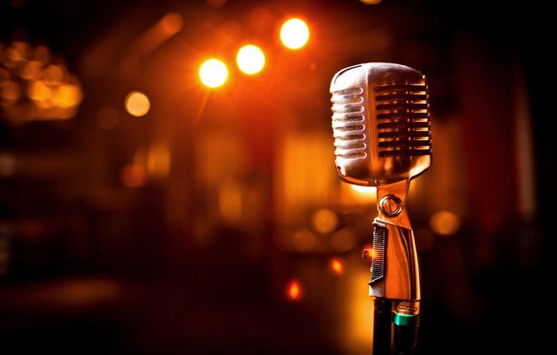 Казахстанским певцам придется признаться в использовании фонограммы на шоу