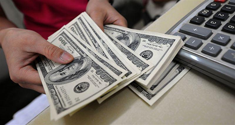 Муж и жена всю совместную жизнь ведут раздельный бюджет