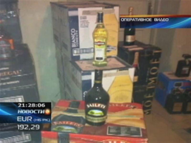В машине безработного жамбылские полицейские обнаружили запасы дорогого алкоголя