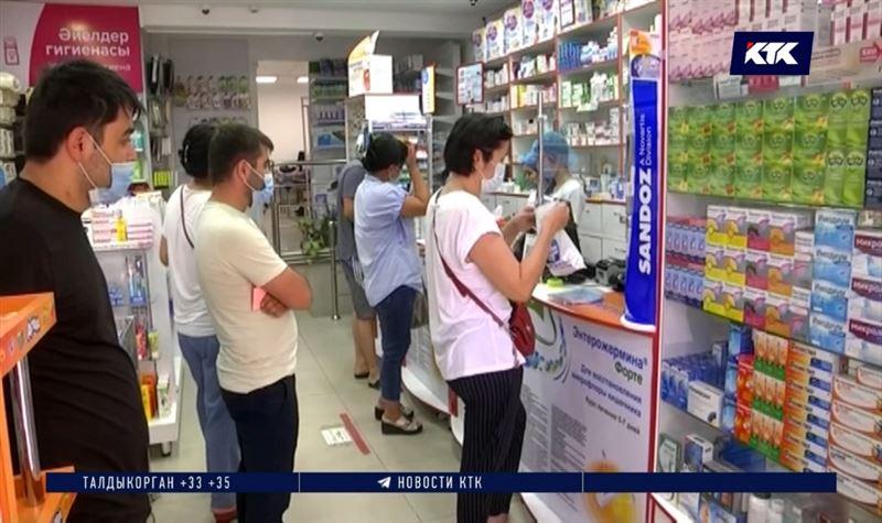 Из аптек Алматы и Нур-Султана исчез парацетамол, в Шымкенте за ним выстраиваются очереди